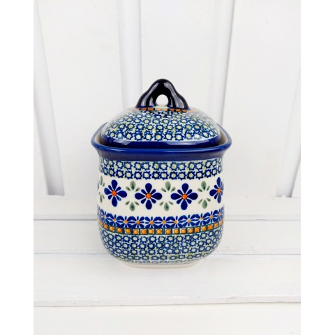 container with lid